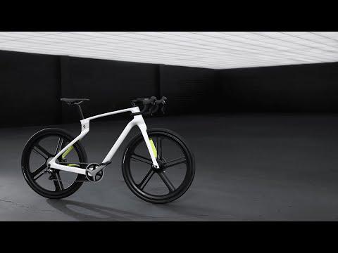 The Superstrata: Custom 3D-printed carbon fiber e-bike