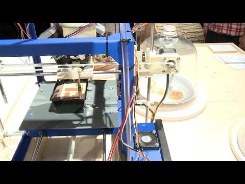 Ein 3D-Kuchendrucker auf der imm cologne 2016