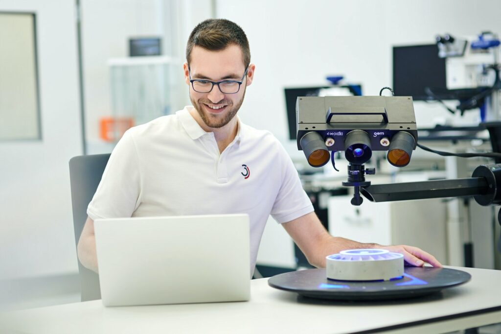 3D-Vermessung-von-Industriebauteilen-aus-Automotive.jpg