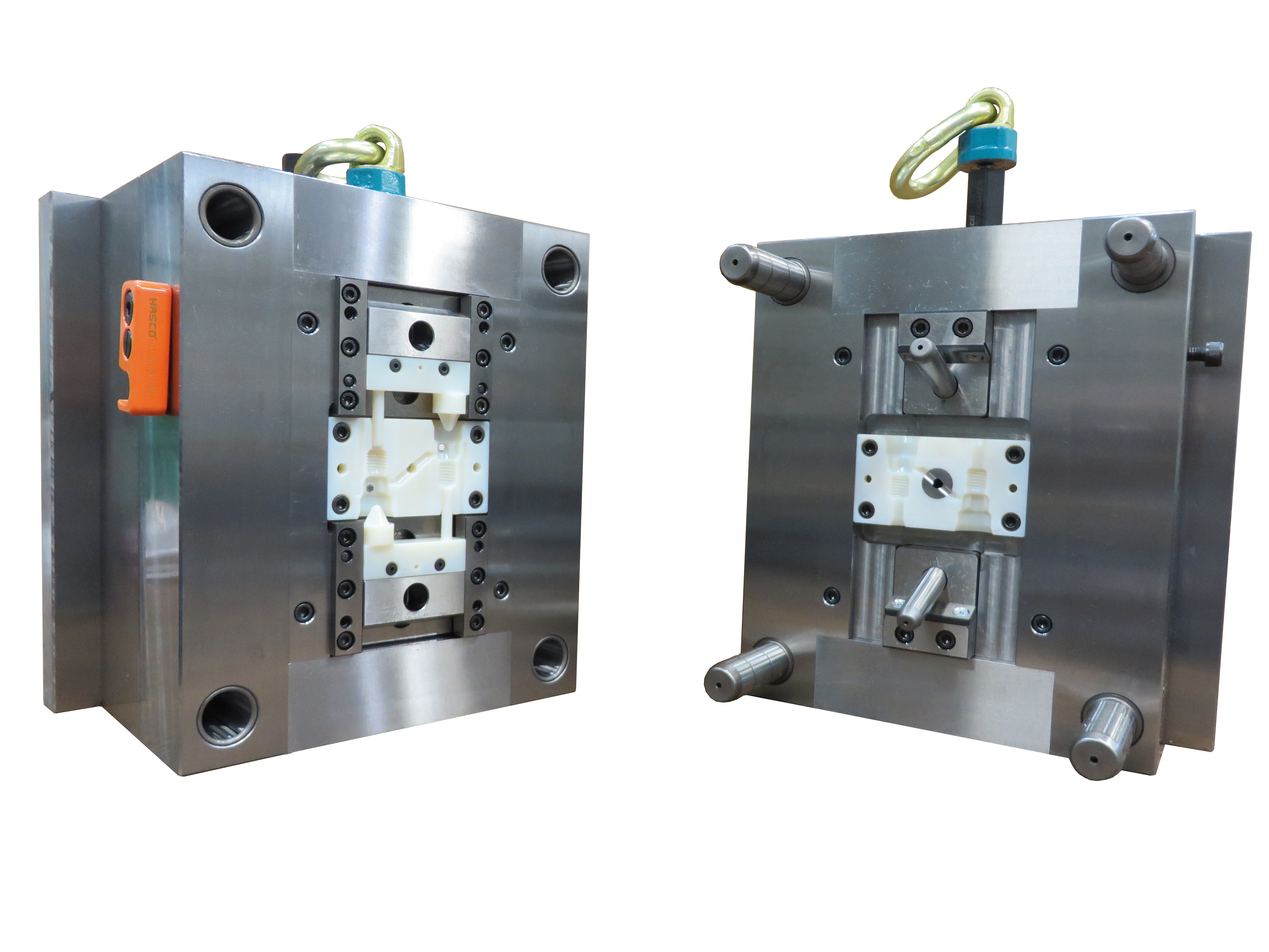 In nur wenigen Stunden druckt HASCO Einsätze für Spritzgussformen mit Stratasys PolyJet 3D-Druck-Lösungen und kann so Designänderungen in einem Bruchteil der Zeit und Kosten durchführen, die bei traditionellen Herstellungsmethoden anfallen.