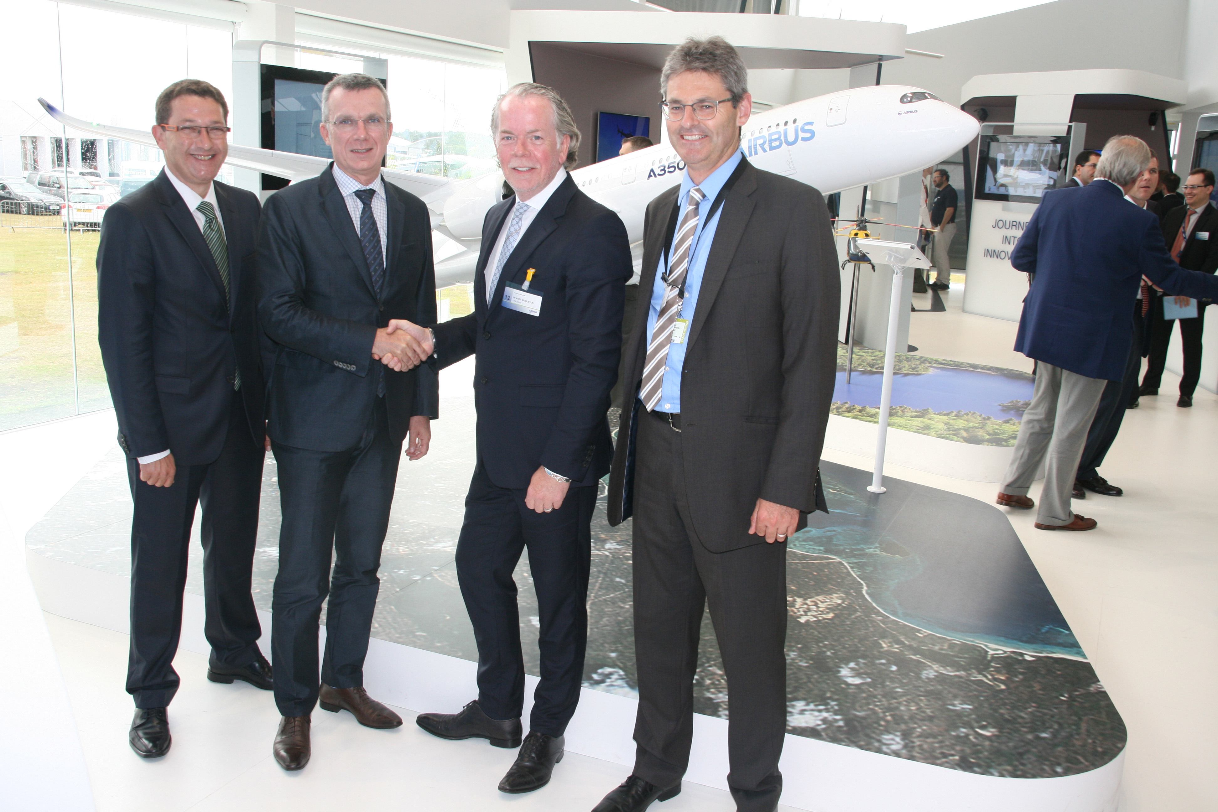 airbus-and-stratasys-reps_high-res