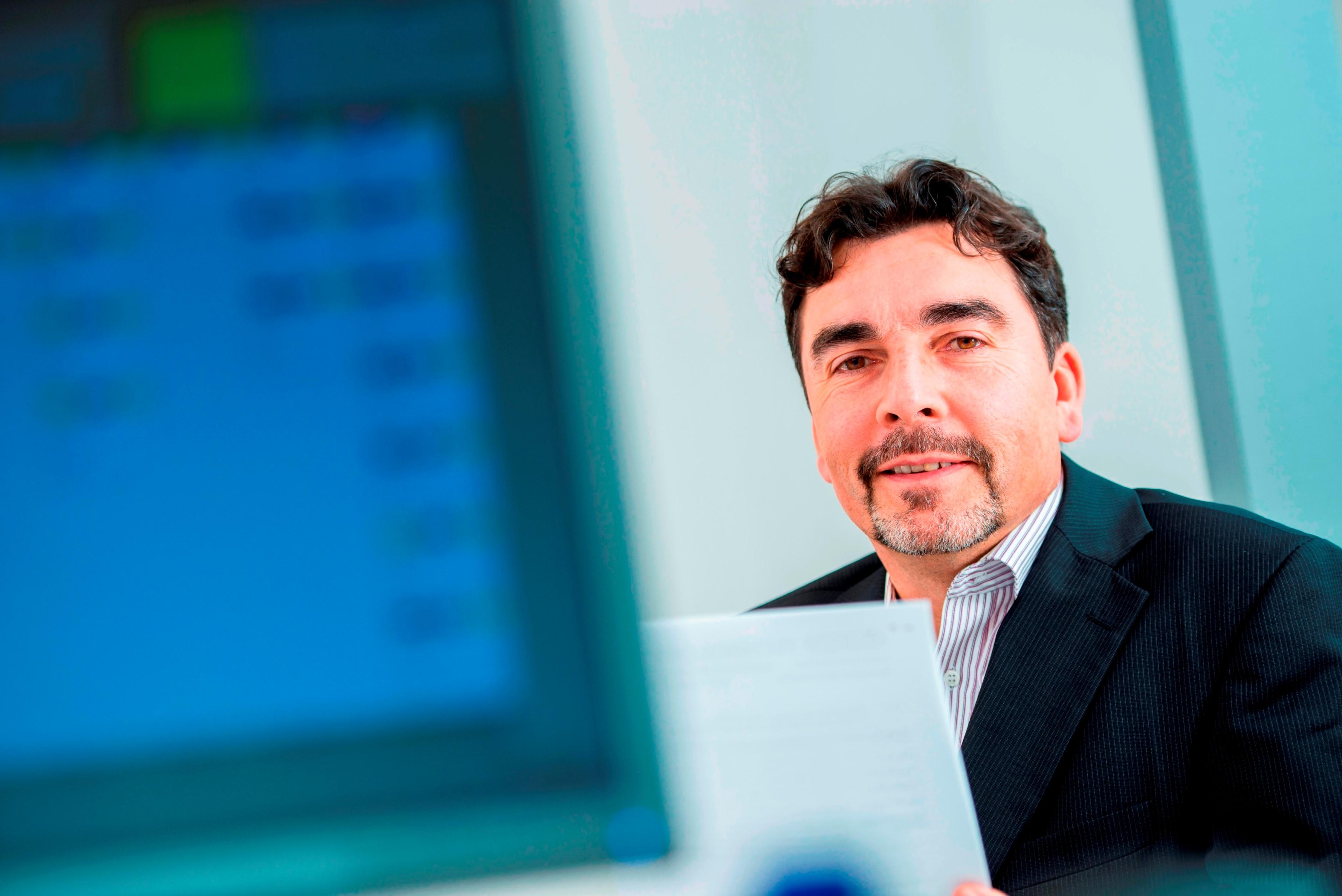"""Thomas Lehmann, Geschäftsführer von Jung & Co.: """"Wenn man berechnet, was der Stillstand einer Hochleistungsabfüllanlage pro Stunde bedeutet, dann ist eine 3D-Lösung deutlich günstiger als eine konventionelle Lösung."""" Bild: Jung & Co."""
