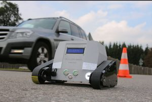 IMG 3336 korr2 300x201 - 3D gedrucktes Gehäuse und Führungsrollen für die surface drone der Müller-BBM