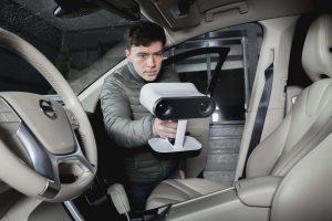 07 Artec 3D Artec Leo Car2 300x200 - Artec präsentiert Artec Leo, den ersten KI-basierten 3D-Handscanner