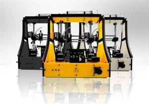 beehex 3d printer gelb 300x210 - BeeHex und Cali'Flour 3D-drucken vegane Pizzakruste