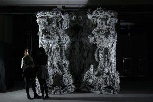 h%C3%B6hle4 300x200 - Architekten stellen 3D-gedruckte Höhle aus Sandstein in Pariser Museum aus