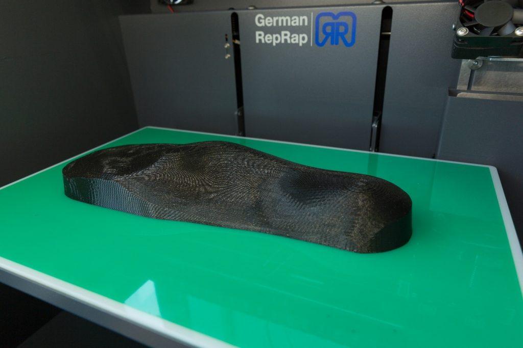 """Abbildung 1: Eine mit dem German RepRap X350pro erstelltes """"Positiv"""" der Fußform"""