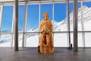 01 Artec 3D Giovanni Segantini auf dem Jungfraujoch 300x200 - Aktion für mehr Schweizer Holz: Helvetische Persönlichkeiten als Holzstatuen