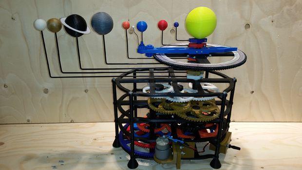 """3D gedrucktes Sonnensystem - 3D-gedrucktes Sonnensystem gewinnt Hauptpreis bei """"DesignNow: In Motion""""-Wettbewerb"""