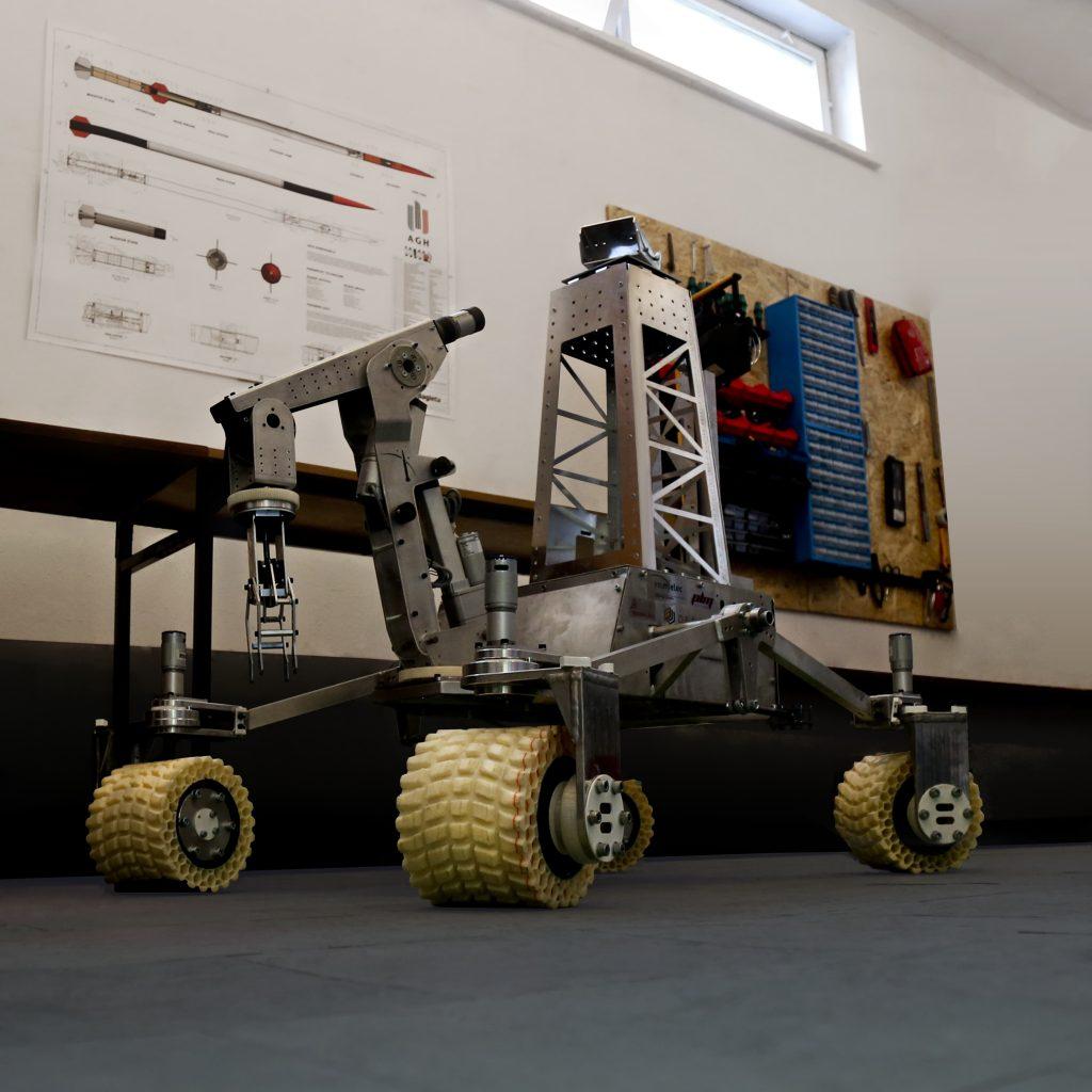 lazik ca%C5%82y2 min 1024x1024 - Mars-Rover gefertigt aus Fiberflex 40d