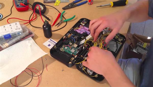 "3d gedruckte nintimdo nintendo switch replik3 - ""Nintimdo RP"": Student 3D-druckt Nintendo Switch-Replik"