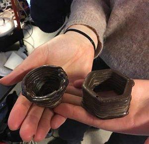 3D gedruckte Schokolade im wasser 300x289 - Studenten entwickeln 3D-Drucker der Schokolade in Wasser druckt