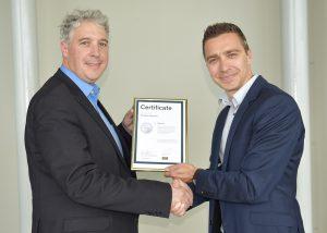 Pascal Erschler Kallisto and Gabor Koppanyi Sintratec 300x214 - Kallisto ist Sintratecs neuer Vertriebspartner in Frankreich