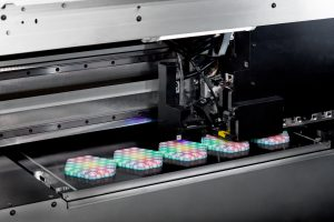 mimaki vollfarb 3d drucker 300x200 - Mimaki präsentiert Vollfarb-3D-Drucker 3DUJ-553