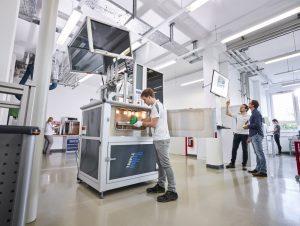 skz 170515 01 01 RET low klein 300x226 - Additive Fertigungsverfahren nach DVS - SKZ bietet einzigartiges Weiterbildungskonzept an