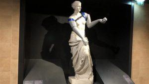 venus de milo bodycantwaint 300x169 - Armlose Statue erhält 3D-gedruckte Prothesen