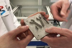 BAM 3d druck schwerelosigkeit metall selektives laserschmelzen 300x200 - BAM druckt erstes Metallwerkzeug in Schwerelosigkeit