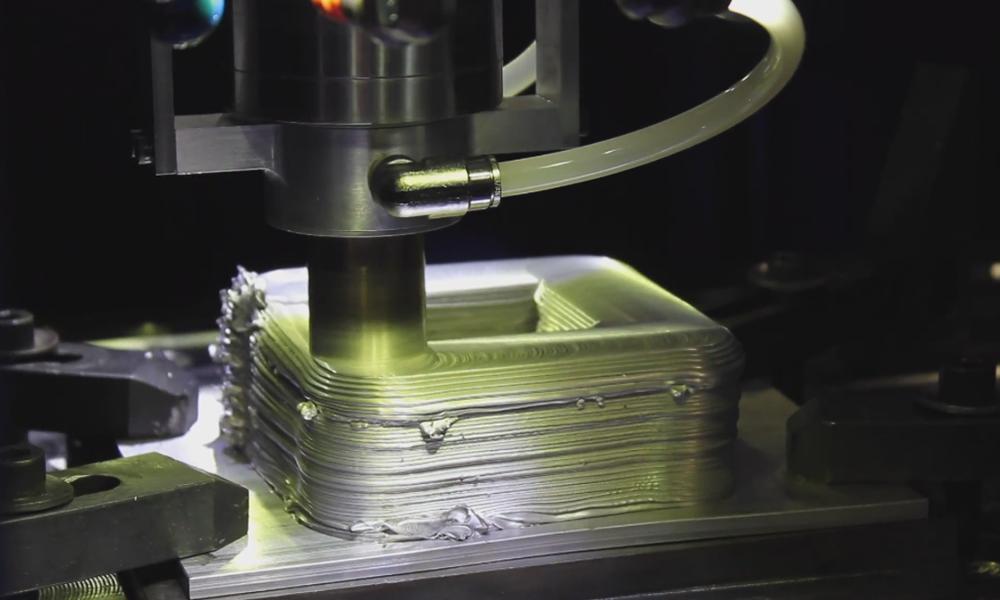 MELD Manufacturing Metall 3D Drucker - MELD Technologie: 3D-Druck mit Metall ohne Schmelzen