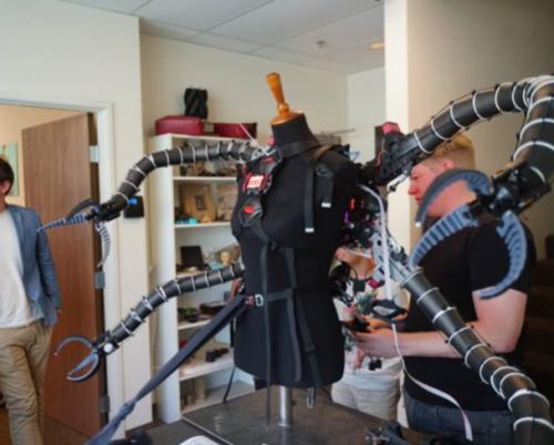 Octopus3 e1528802933560 - Jüngster Bitcoin Millionär verwendet 3D-Druck zur Bekämpfung von Hypermobilität