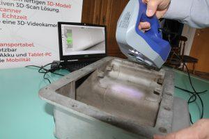 01 Artec 3D 3D Scan einer OElwanne 300x200 - Oldtimer-Restauration: 3D-Scanner ermöglichen den Nachbau von Ersatzteilen