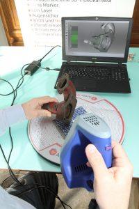 04 Artec 3D 3D Scan eines Wasserpumpengehaeuses 200x300 - Oldtimer-Restauration: 3D-Scanner ermöglichen den Nachbau von Ersatzteilen