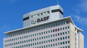 basf hochhaus 300x168 - BASF kauft Material-Hersteller Advanc3D