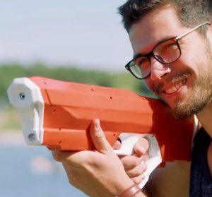 SyraOne Wasserpistole 300x279 - Kickstarter: Erfolgreiche Wasserpistole mit Pumpe und 3D-gedruckten Bauteilen