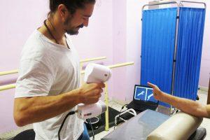 3D scannen für Prothese 300x200 - Das von Ärzte ohne Grenzen betriebene Krankenhaus bietet 3D-gedruckte Prothesen für Kriegsverletzte an