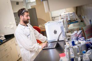 Bioprinting Amir Dailamy 300x200 - Die 3D-Bioprinting-Technik von UC San Diego erstellt aus natürlichen Materialien lebensechte Gewebe