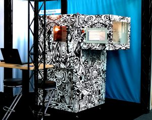Prototyp PERFORMER260 Formnext 2018 300x237 - Neuer FFF-Drucker wird industrielle additive Fertigung von Hochleistungskunststoffen revolutionieren