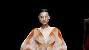 irisvanherpen 3d druck 300x171 - Iris van Herpen: Gesichtsschmuck aus dem 3D-Drucker