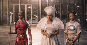 3D gedruckte Krone und Mantel Black Panther 300x158 - Eine Krone für eine Königin: Der 3D-Druck trifft die große Leinwand in Black Panther