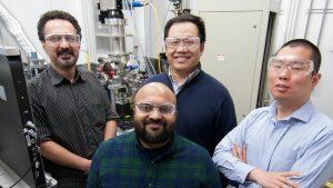 Argonne National Laboratory Forscher 300x169 - Neue Forschungen identifizieren Fehlerursachen im 3D-Druck und bereiten den Weg für bessere Ergebnisse