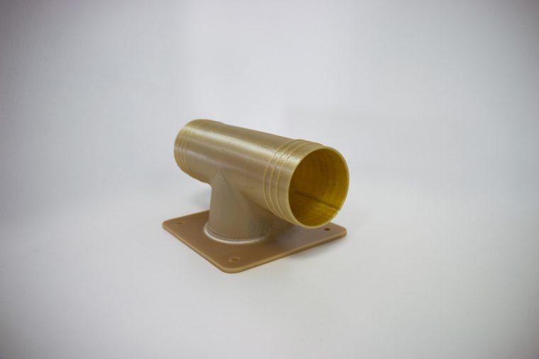 Finale, für den Luftverkehr zugelassene Klimaanlagenkanäle aus dem 3D-Drucker. 3D-gedruckt aus dem Material ULTEM™ 9085 resin auf einer Fortus 450mc