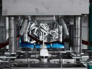 Für die rationelle Herstellung von Molded Interconnect Devices (MIDs) hat Ensinger die Produktlinie TECACOMP LDS entwickelt. Die thermoplastischen Hochleistungscompounds werden für die Herstellung von spritzgegossenen Schaltungsträgern eingesetzt, bei denen die Leiterbahnen durch Laser‐Direktstrukturierung (LDS) und anschließende Metallisierung aufgebracht werden. Als Matrixpolymere fungieren PEEK oder LCP.