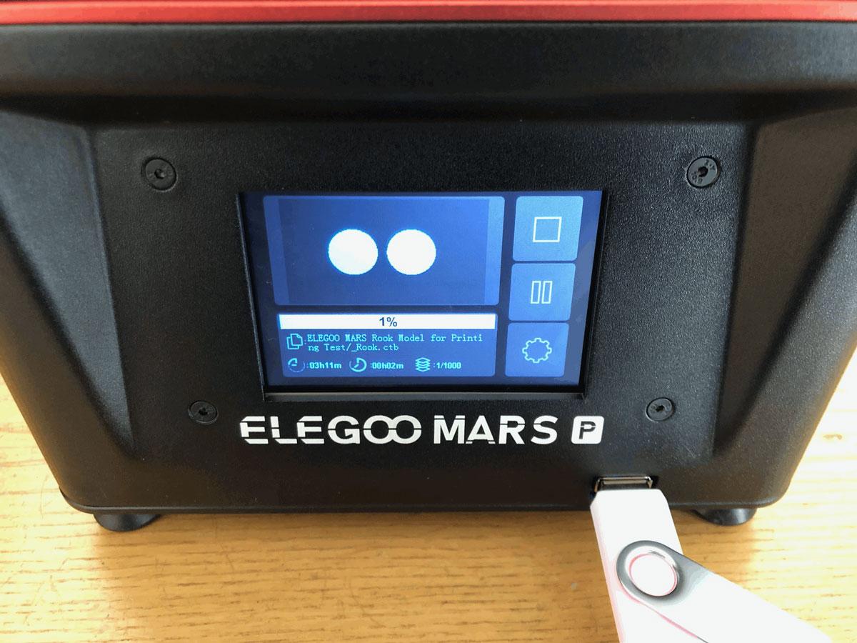 Elegoo Mars Pro Logo und USB Anschluss